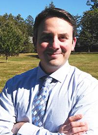 Assistant Professor Daniel Kaplan