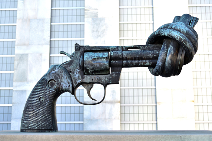 """Non-Violence"" (also known as ""The Knotted Gun"") sculpture at the UN Headquarters in NY"