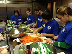 Adelphi Students at Washington D.C. soup kitchen