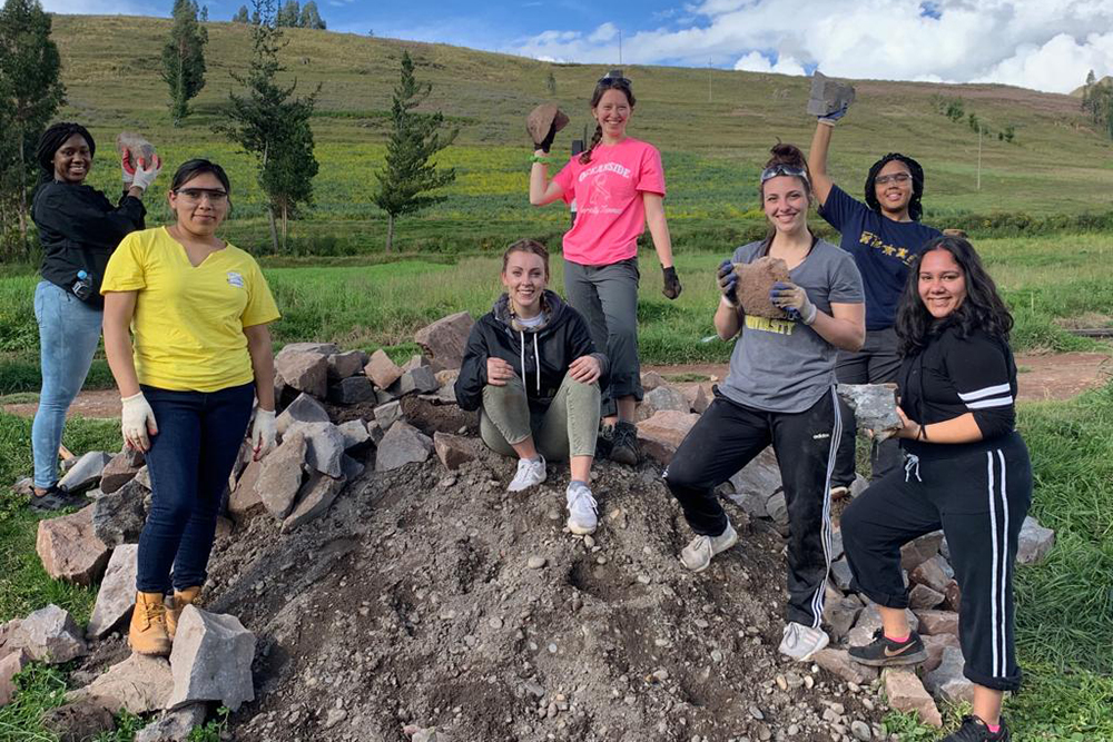Students on a mission trip