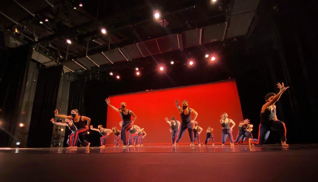 Dance Adelphi Keigwin - Dancers on stage